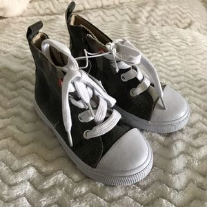 Cat & Jack toddler boys shoes size 7